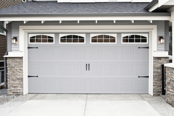 grey house garage